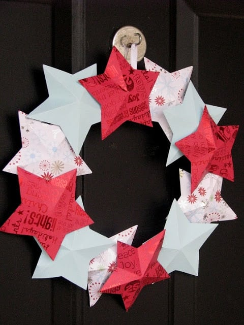paper star wreath with red and turquoise stars