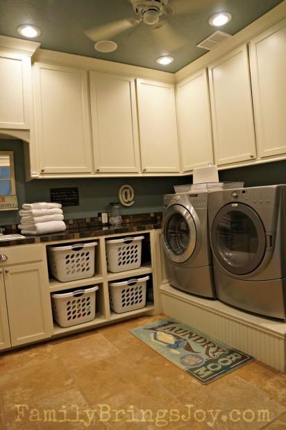 Laundry Room FamilyBringsJoy.com