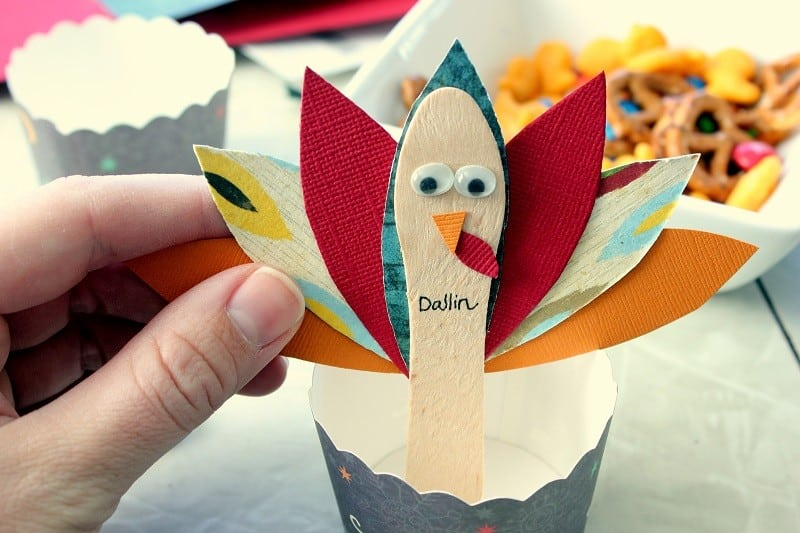turkey place card attached to snack cup