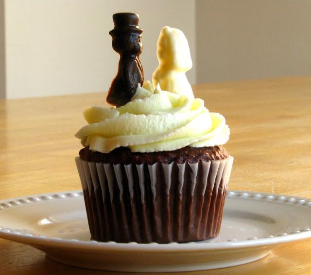 vintage bride and groom chocolate molds on cupcake