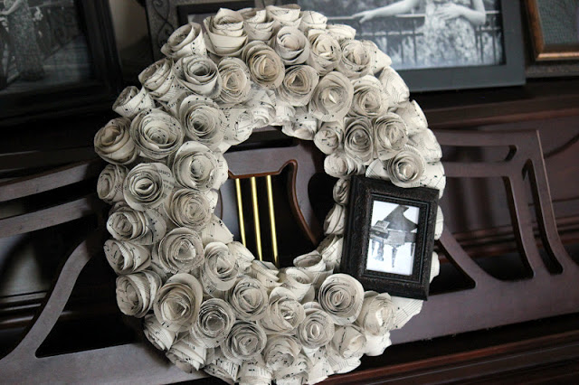 finished wreath on piano