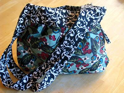 straps on handbag