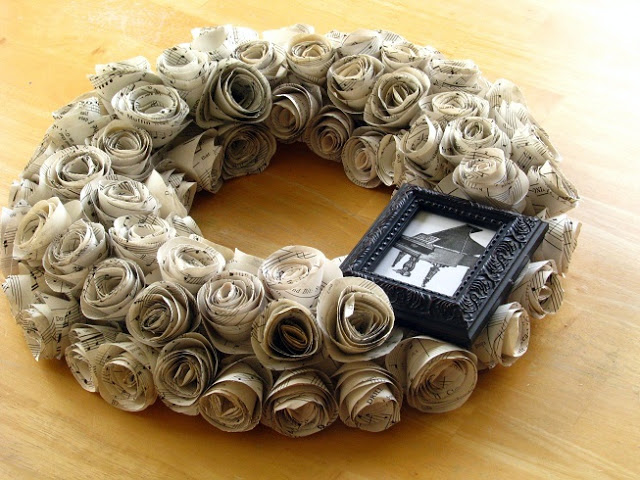 finished wreath on table