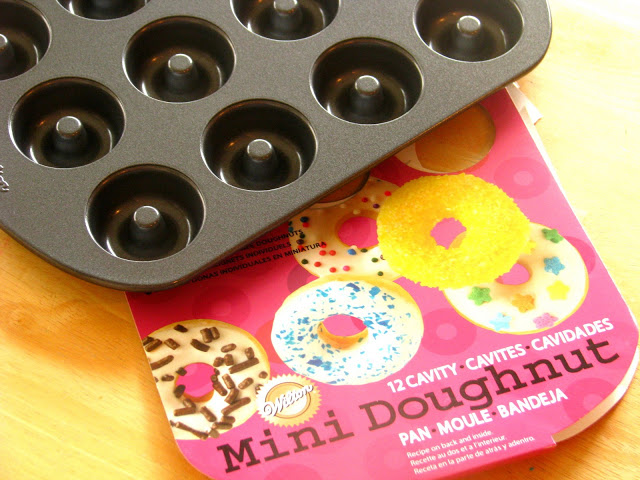 mini doughnut pan with packaging