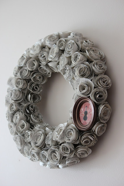 violin sheet music wreath