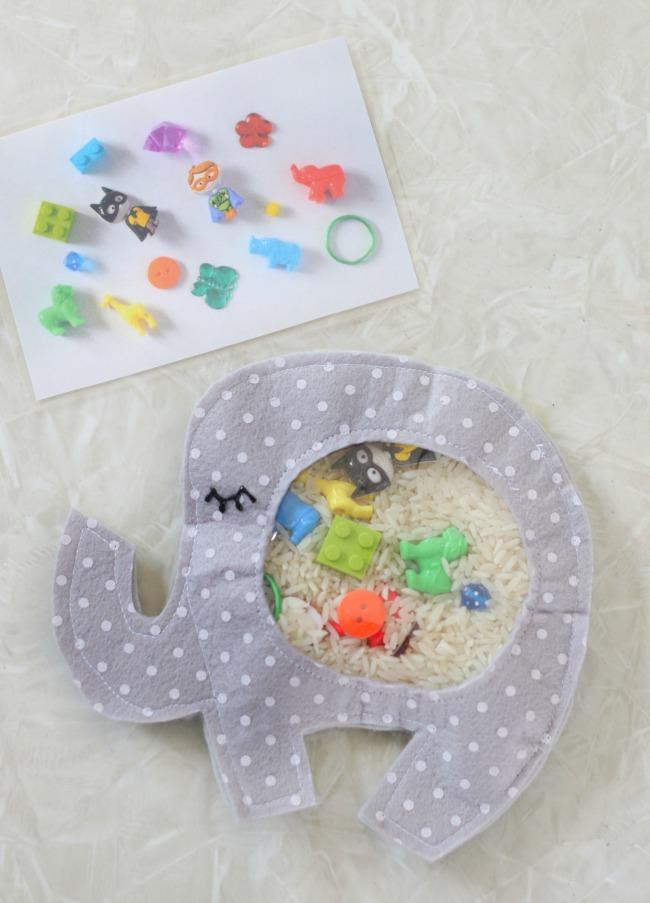 elephant i-spy bag ont able