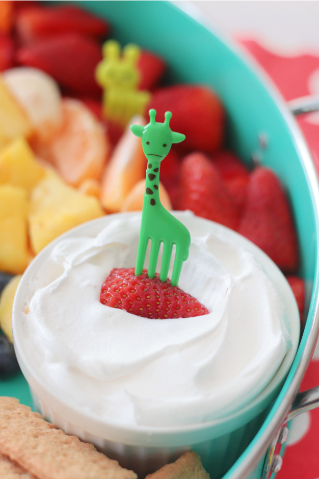 giraffe fruit pick in strawberry