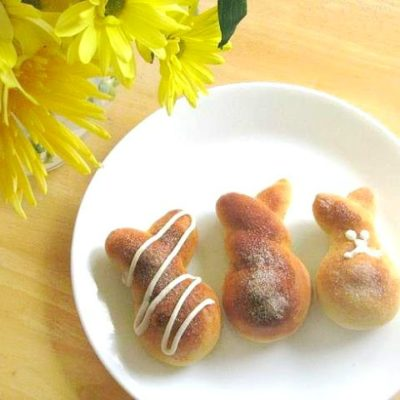 3 bunny rolls on white plate