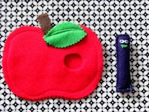 felt apple and worm for preschool