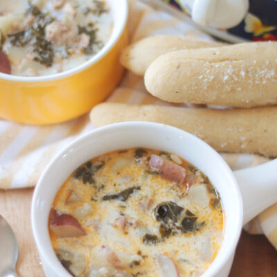 two bowls of slow cooker zuppa Toscana soup