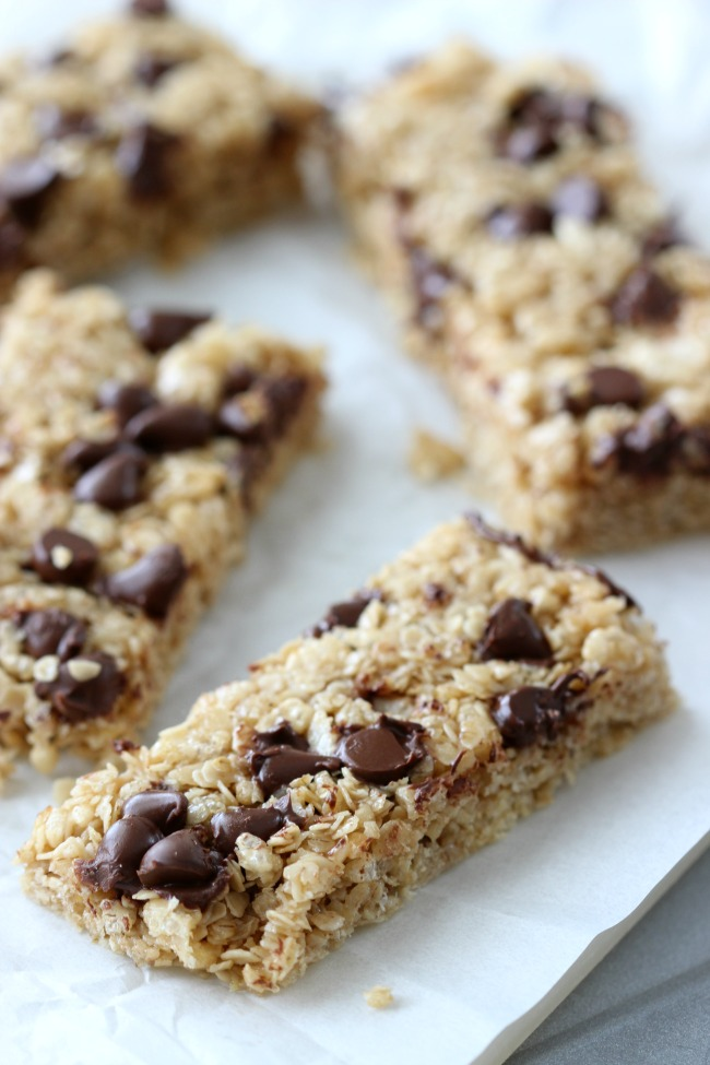 Soft, chewy, and sweetened with honey and brown sugar, this granola bar recipe has all the flavor without any of the preservatives of your favorite store bought granola bars! Add chocolate chips, peanut butter chips, or raisins to create different varieties!