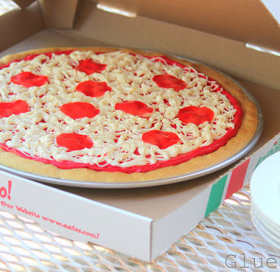 sugar cookie pizza in pizza box