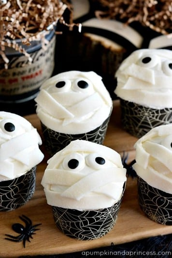 mummy cupcakes for halloween parties
