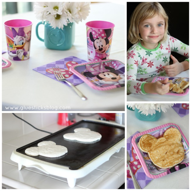 girls eating Minnie Mouse pancakes