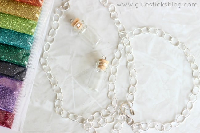glitter necklace gluesticksblog