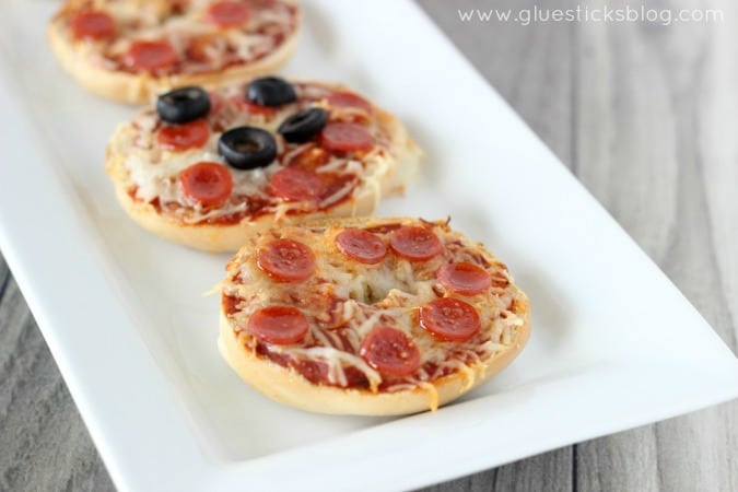 pizza mini bagels 2
