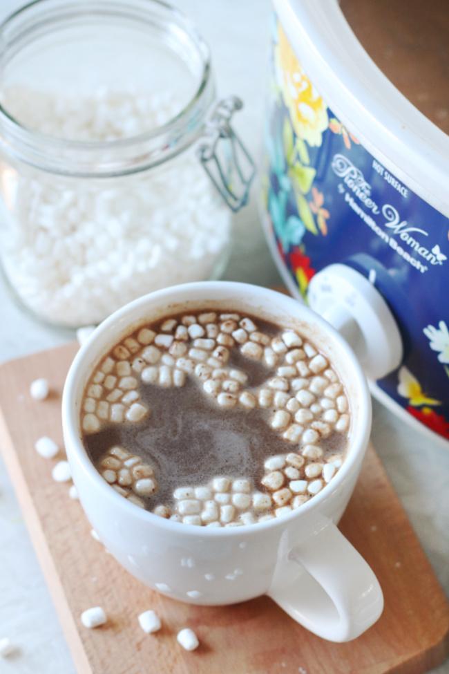 white mug of hot chocolate with mini marshmallows