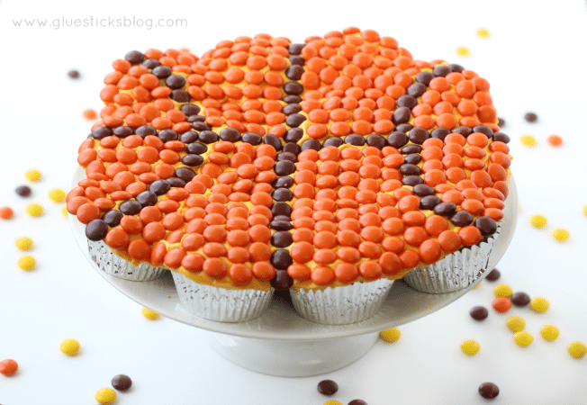 pull apart basketball cake on white cake stand