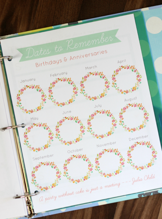 Free planner pages to keep you organized! Monthly calendar pages, menu planner, grocery list, weekly planning pages and MORE! 3 hole punch and add to a 3 ring binder. Add tabs and dividers for a home organization binder or day planner!