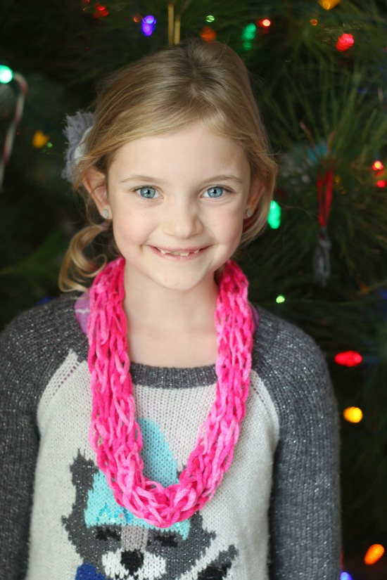 Holiday Gifts that Girls Can Make: homemade scarf
