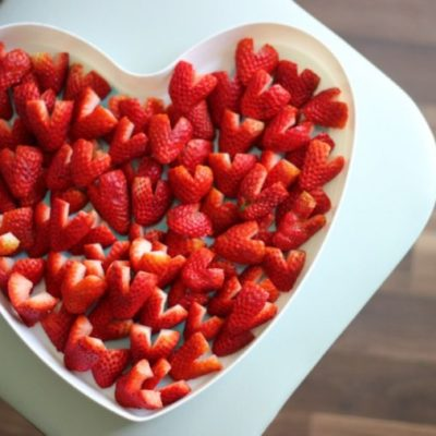 heart strawberries