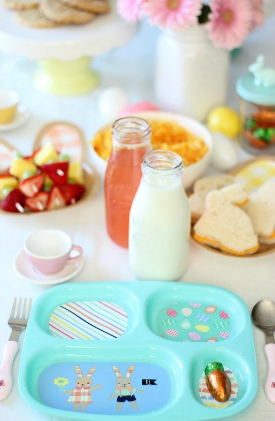 A darling Easter luncheon for kids that is as pretty as it is easy to set up! Kid-friendly foods, paper products, spring colors, and a ton of cuteness!