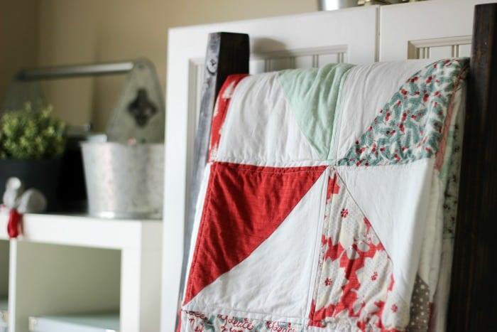 Winterberry Pinwheel Quilt