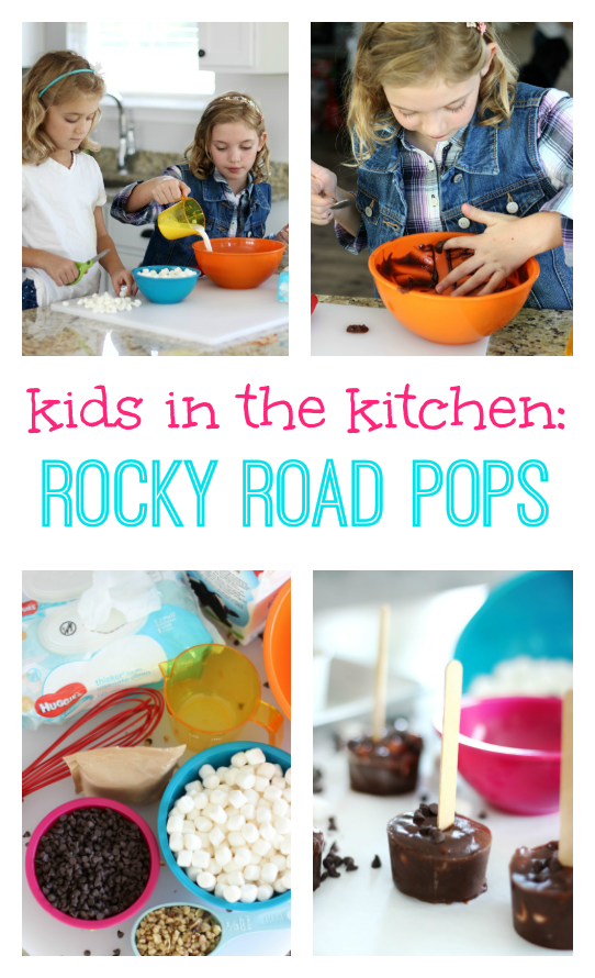This rocky road pudding pops recipe takes about 5 minutes to prepare. Simple ingredients, simple instructions. The perfect recipe for kids!