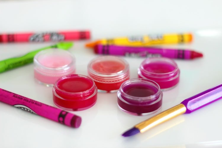 easy gift idea for girls to make pots of homemade lip gloss