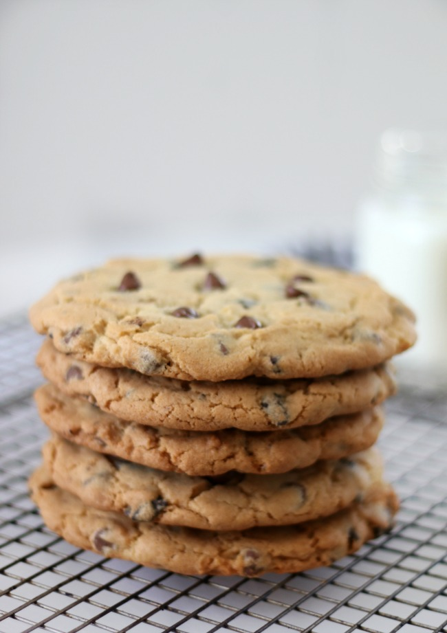 stack of 5 cookies on cooling rack