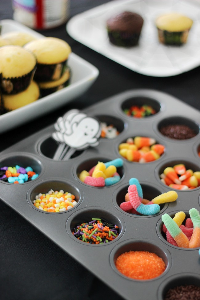 toppings for cupcakes in mini muffin tin