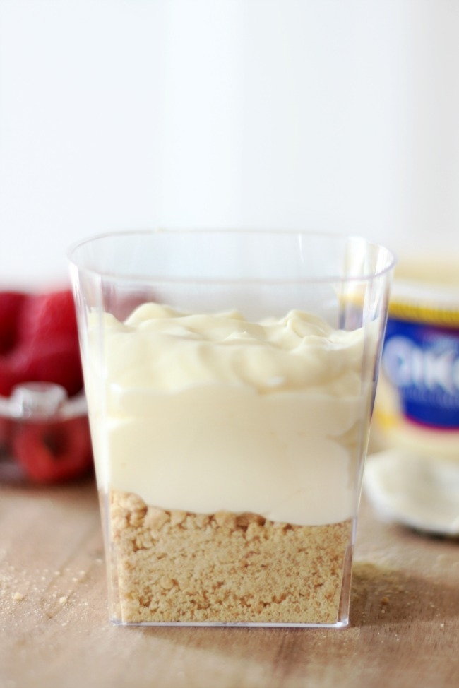A mini cream pie in a cup that come together in just minutes! A layer of graham crackers, a layer of Greek yogurt and whipped cream! Perfect for parties.