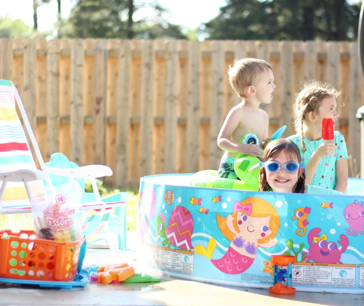 backyard activities for kids: kids in wading pool