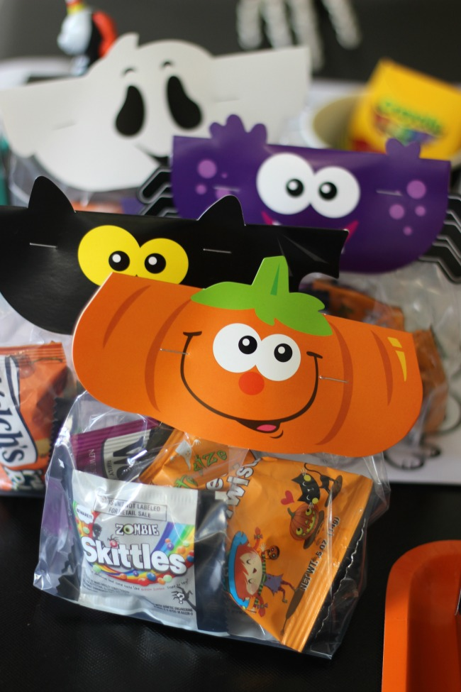 treat bags to take home from crafty halloween party for kids