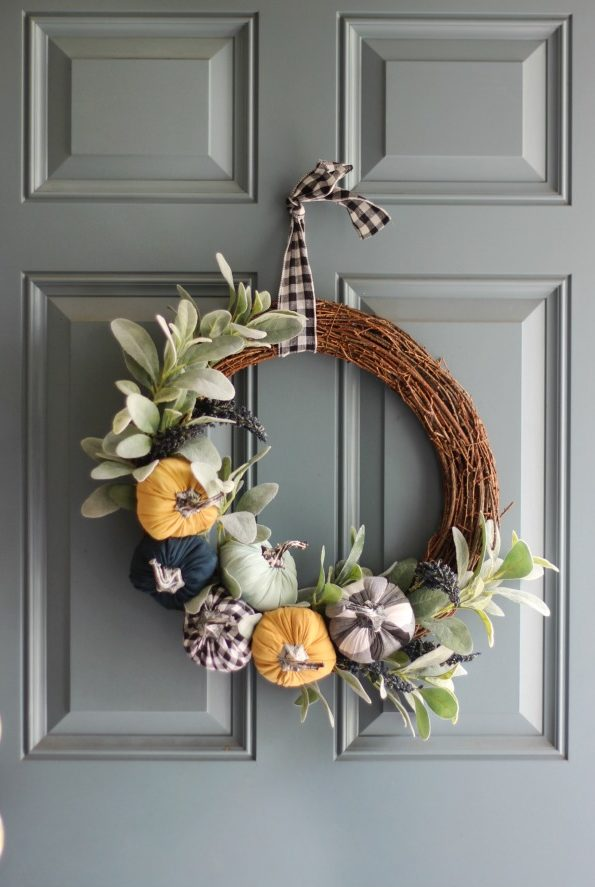 finished dollar spot pumpkin wreath on door