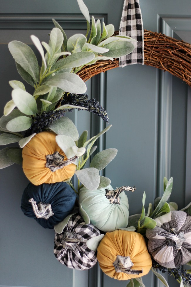 finished dollar spot pumpkin wreath