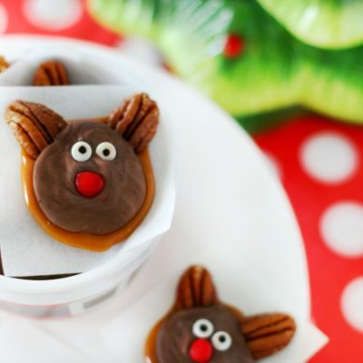 reindeer caramel candies in ramekin