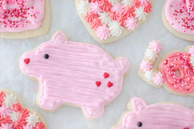 pink pig sugar cookies