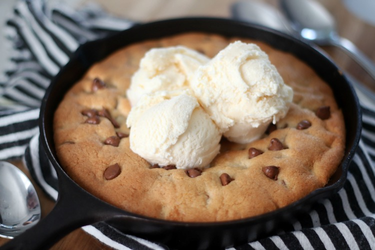 hot cookie with vanilla ice cream