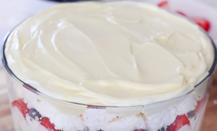 cream and pudding mixture spread over trifle