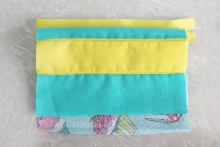 zipper sewn onto cosmetic bag