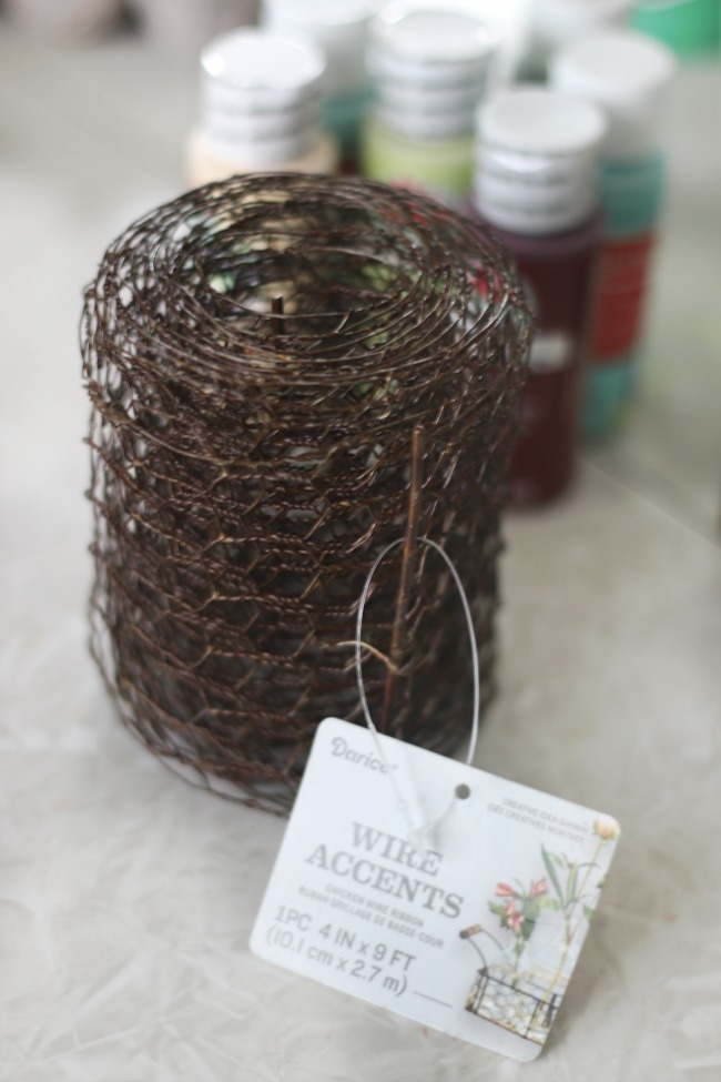 roll of craft chicken wire