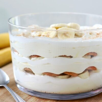 banana cream layered trifle in bowl