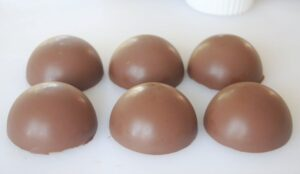 6 chocolate cups