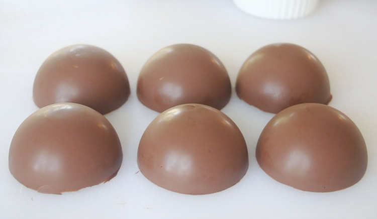 6 chocolate cups