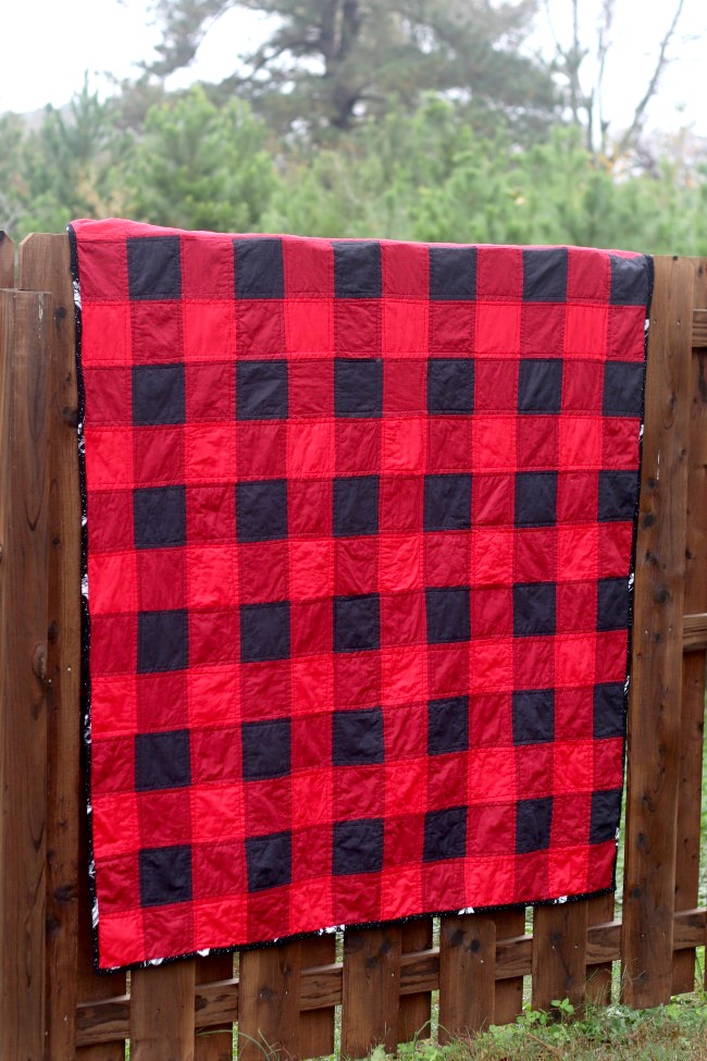 finished buffalo check quilt on fence