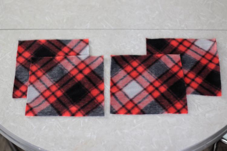 4 fleece squares