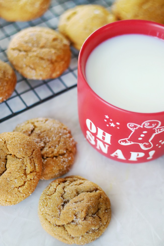 gingerbread cookies and milk
