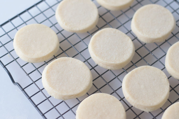 baked shortbread cookies on cooling rack
