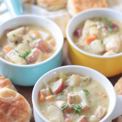 chicken pot pie soup in small soup crocks